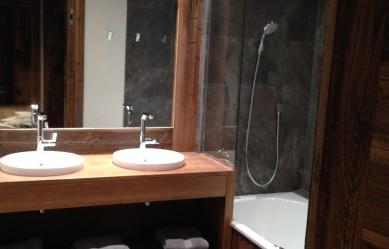 Cabris bathroom